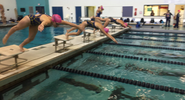 Swim Moves to 5-0 in CAAC Blue with victory over East Lansing