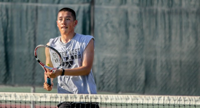 Boys Tennis Edges Past Pioneers