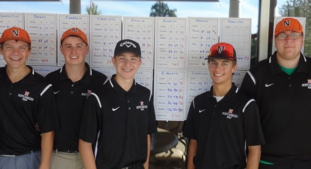 Boys Golf to Districts!