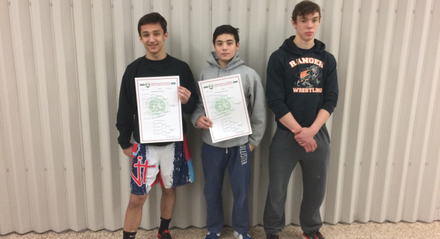 3 North Wrestlers Advance to Districts!