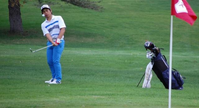 Kamnark Leads Boys Golf