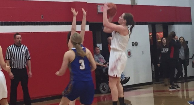 Kaitlyn Geers reaches 1000 points as KC tops the Mohawks, 54-41