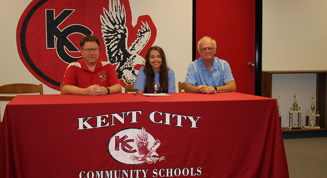 Makayla Shafer-Jones Signs with Saint-Mary-of-the-Woods College