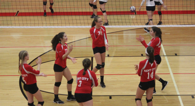 Freshmen Volleyball takes 2nd place at Grant tournament