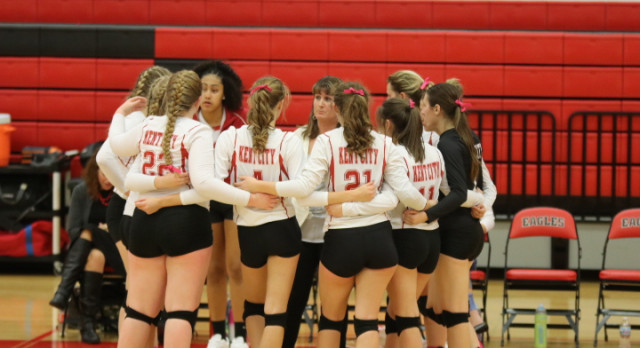 Varsity Volleyball faces tough opponents at Sparta Invitational