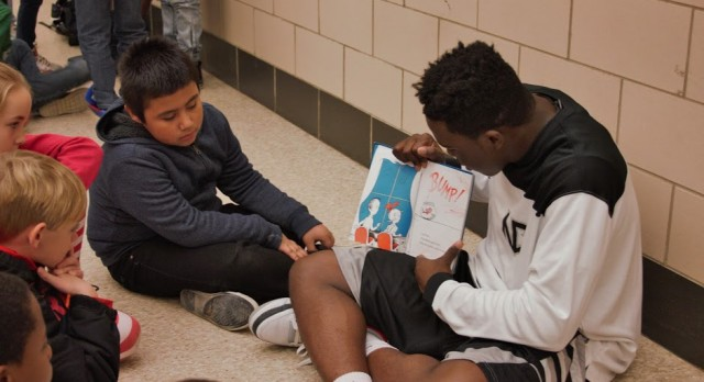 Boys Basketball Visits Hilltop Elementary For Community Outreach