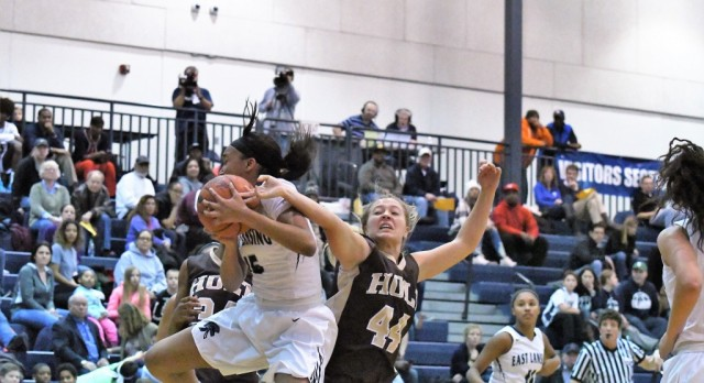 Girls Basketball Advances to District Finals