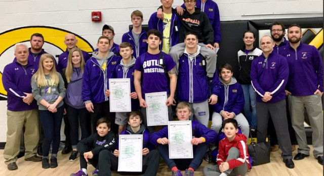 Wrestlers Finish as Sectional Champs and Advance 9 to Districts