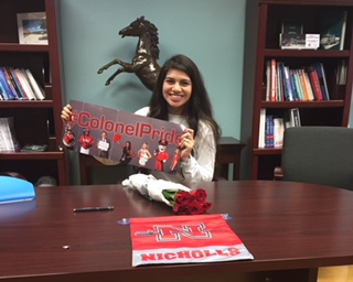 Jennifer Olivarez signs to Nicholls State University