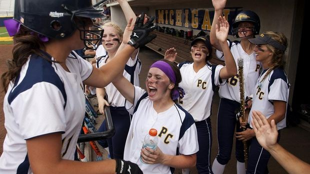 Softball team to play in Final Four
