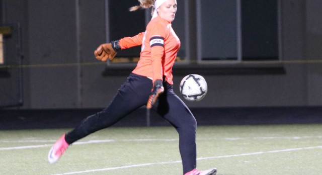 Girls soccer: Milwaukie runs record to 6-0 with six shutouts by Jim Beseda