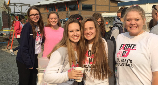 Crusader Volleyball joins the fight against breast cancer