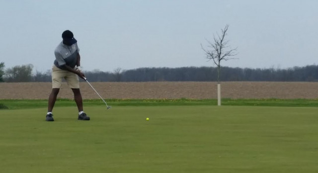 MC golf team sweeps 4-way