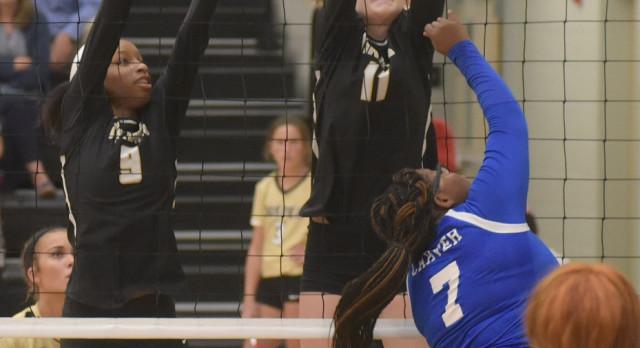 Varsity/JV Volleyball Wins at Cordova