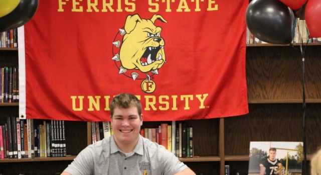 Clapp signs with Ferris