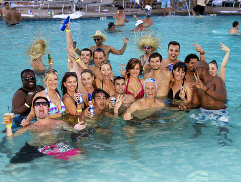Adult-resort-pool-party-holiday-fun-many-hotels-resorts-arizona-offer-public-parties-hot-summer-months-33352630