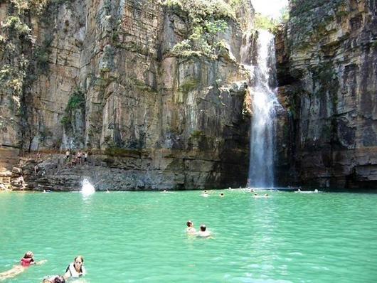 Cachoeira-lagoa-azul-capitolio