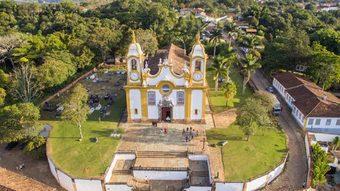 Igreja-matriz-de-santo-antonio-tiradentes-mg-1200x675