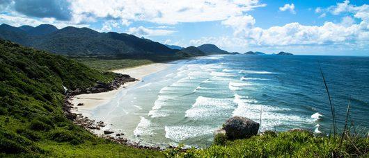 Praia_da_laje-yuri-cruvinel-ribeiro-1440x620