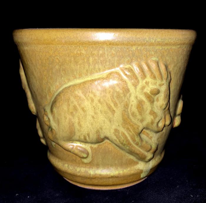 1971 Thrown Vase Javelinas