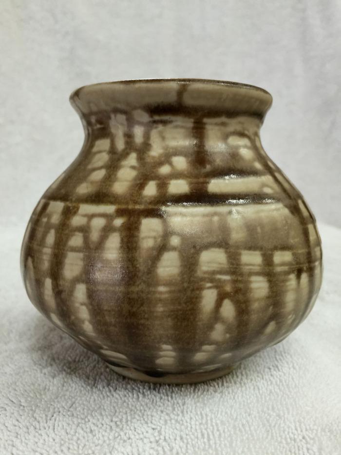 1984 Brown Vase