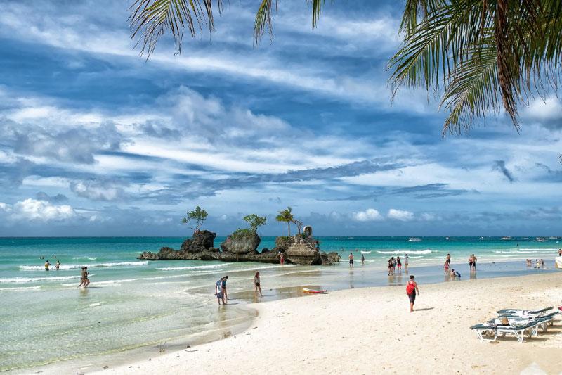 white-beach-boracay-island
