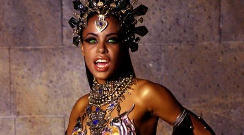 Top 10 Sexy Female Movie Vampires