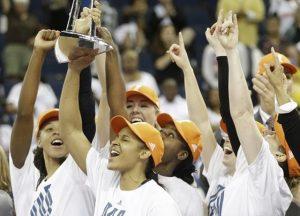 Minnesota Lynx Sweeps Atlanta Dream To Win 2013 WNBA Title