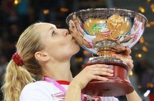 Ilona Korstin, Svetlana Abrosimova Announce Retirement