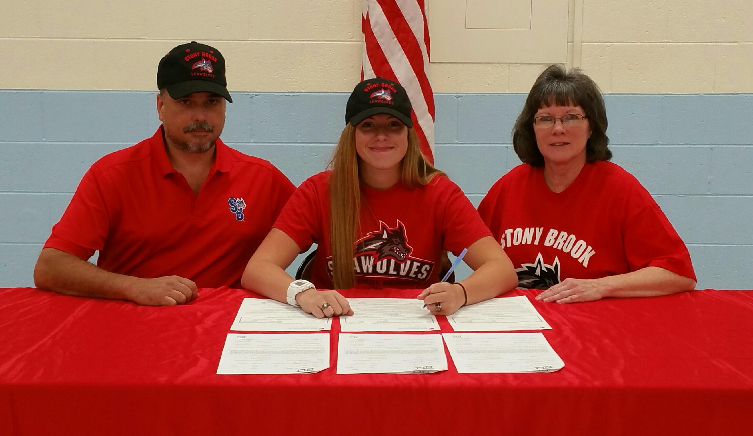 Taylor Pechin Signs With Stony Brook