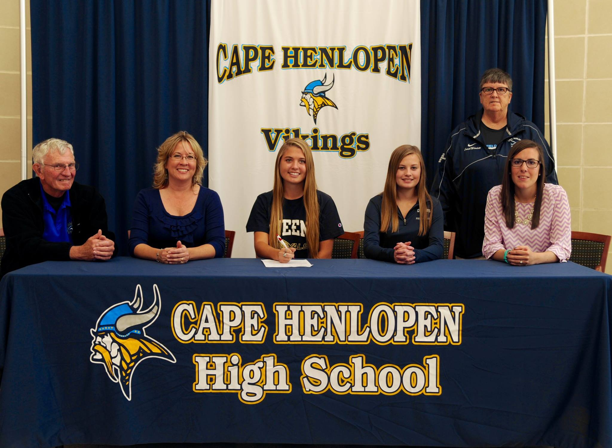 Crown Her; Carey Karl Signs with Queens University
