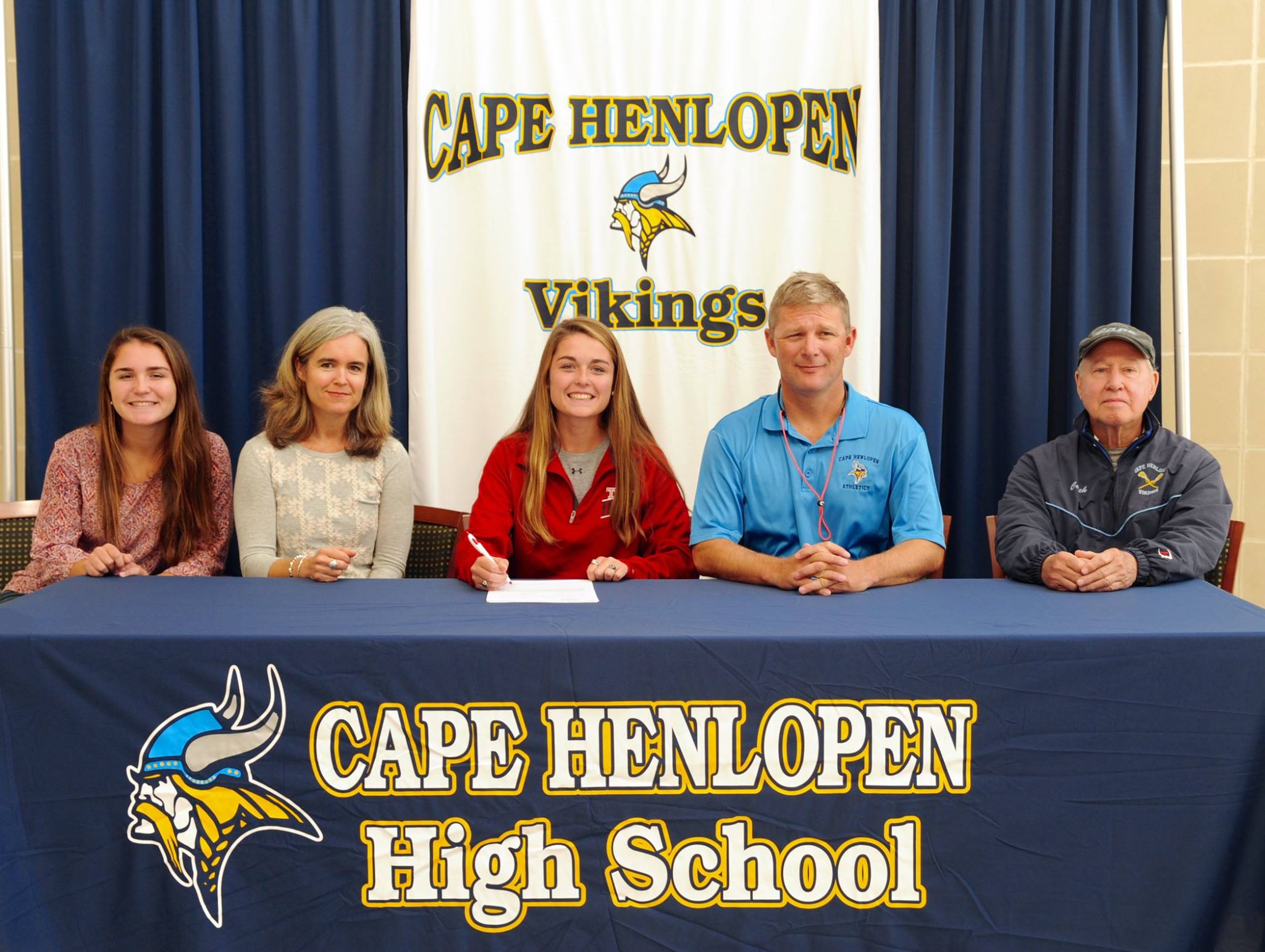 Hoot, Hoot; Lizzie Frederick Signs with the Temple Owls
