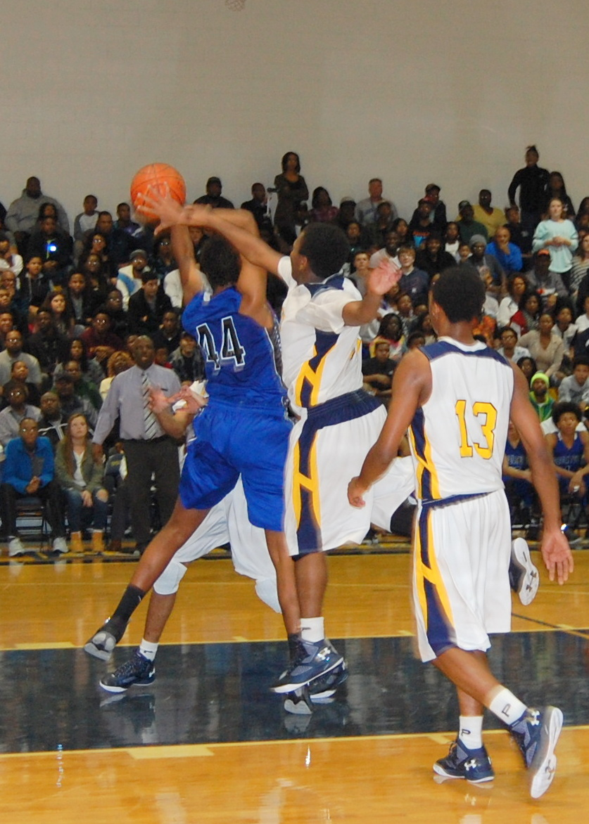 Pocomoke Defeats Stephen Decatur in Bayside Clash
