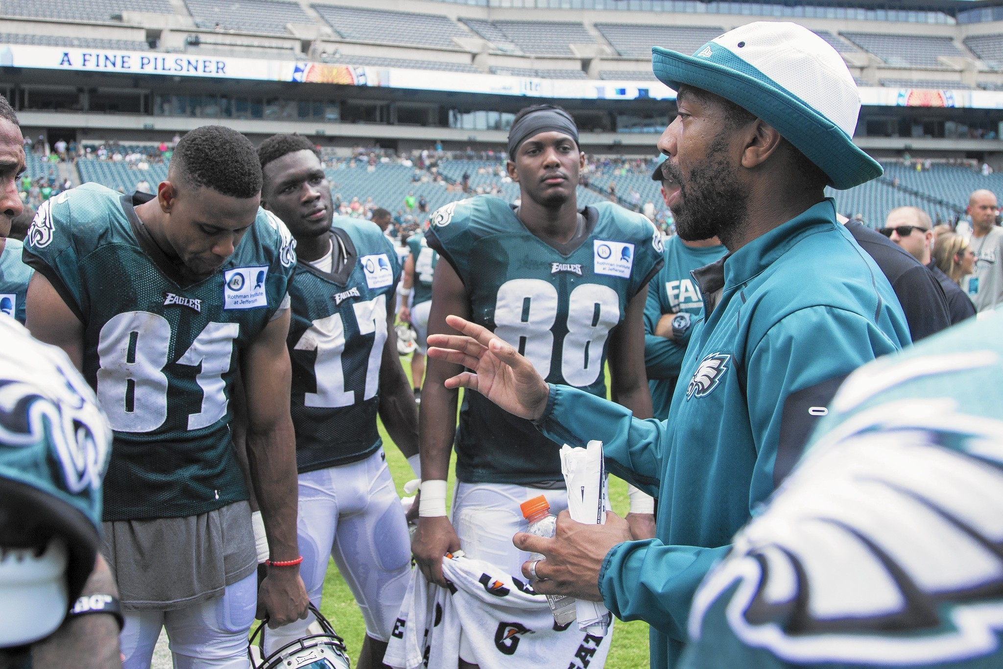 Eagles Fire Wide Receiver Coach