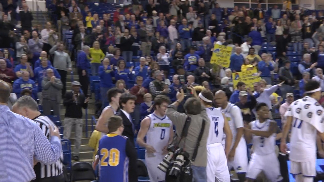 Blue Hens Drop Third Straight Game