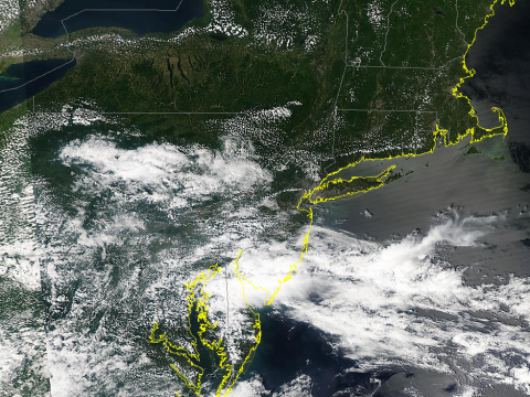 Note the sunshine to our north in the less humid air. You can also see the lake breeze around the Great Lakes. The cool water chills the air and there are not clouds in the cool and stable air around the lakes.