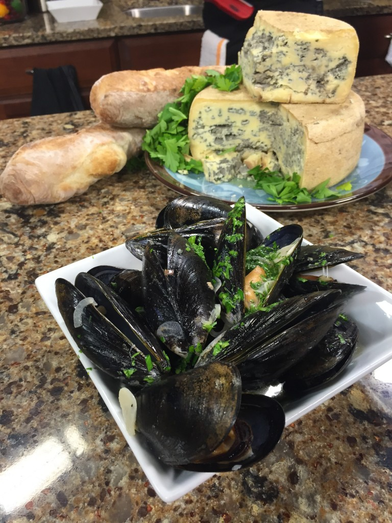 Sambuca Bleu Cheese Mussels with Bartlett Pear Inn