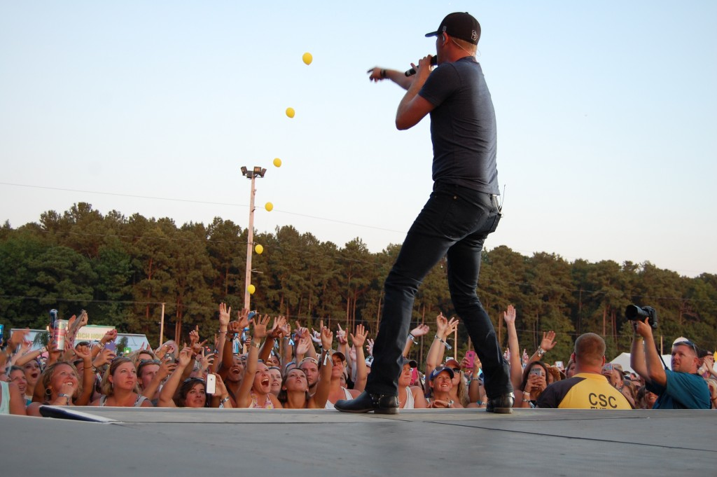 Cole Swindell Raises a Glass to Troops Overseas at Delaware Junction Festival