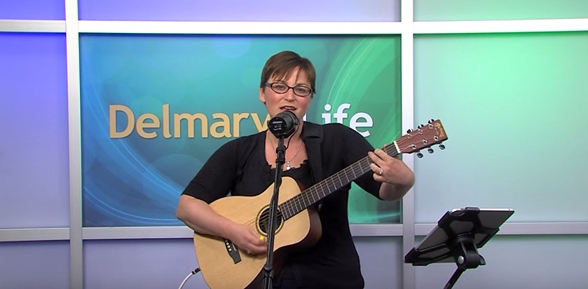 "Jayme D sings ""When I Breathe"" & ""Home to Your Heart"" – Friday, August 28, 2015"