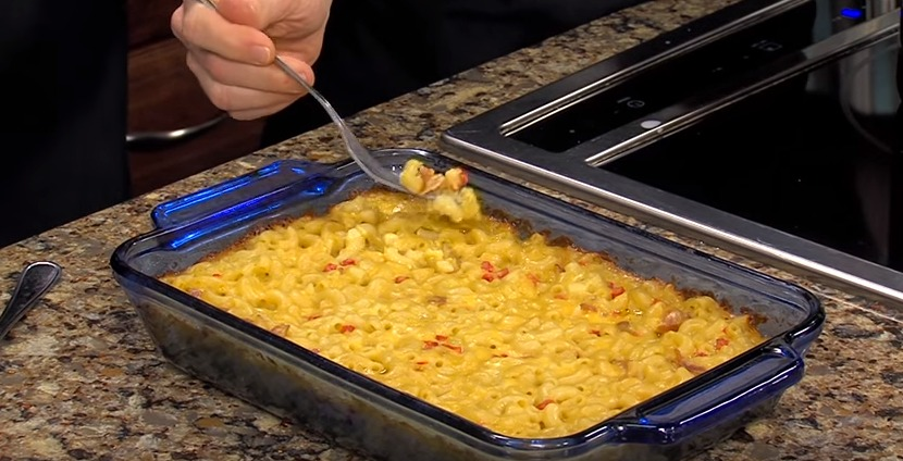 Bacon Pimento Mac & Cheese with Food Blogger Laura Davis