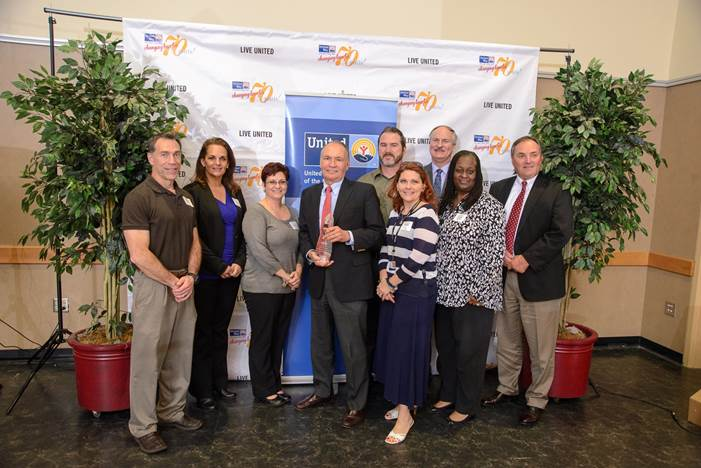 Piedmont Airlines employees receive the Spirit of the Shore Award