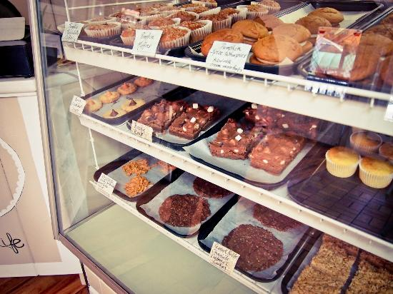 La Dolce Vita Bakery: Bakery Counter (Photo: Tripadvisor.com)