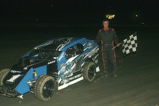 Dirt Racing: Ricky Elliott Takes Showdown Win: Delaware