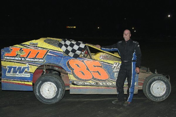 Dirt Track: H.J. Bunting Takes NAPA Big Block Win: DIS