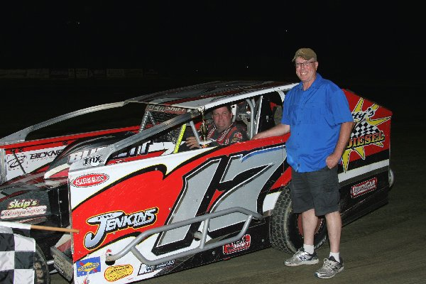 Napa Big Block Modified Winner Scott Vangorder