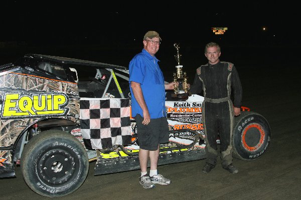 Dirt Track:  Matt Smith Takes AC Delco Modified Win: Delaware International Speedway