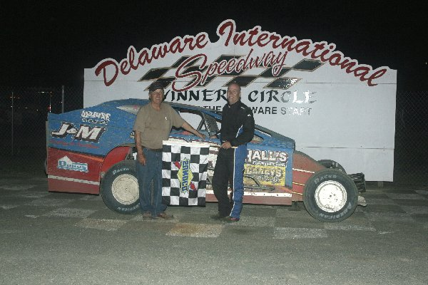 Dirt Track: Bunting Takes Twin 20's Win: Delaware International Speedway