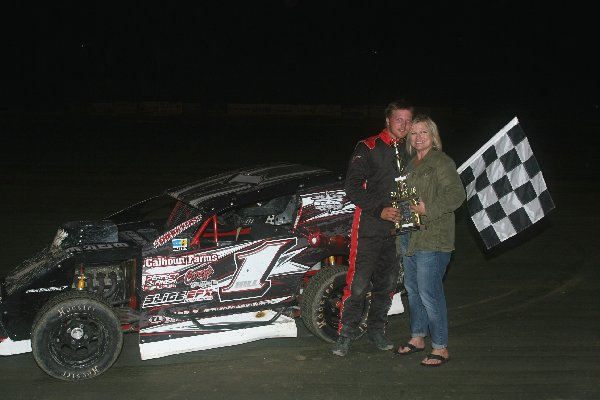 Dirt Track: James Hill Adds Another Mod Lite Win: Delaware International Speedway