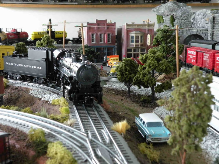 Toy and Train Show This Saturday in Roxana
