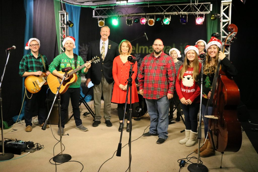 "The Keith White Duo and Oak Ridge Baptist Church Worship Team Perform ""Jingle Bell Rock"" and ""Joy to the World"""